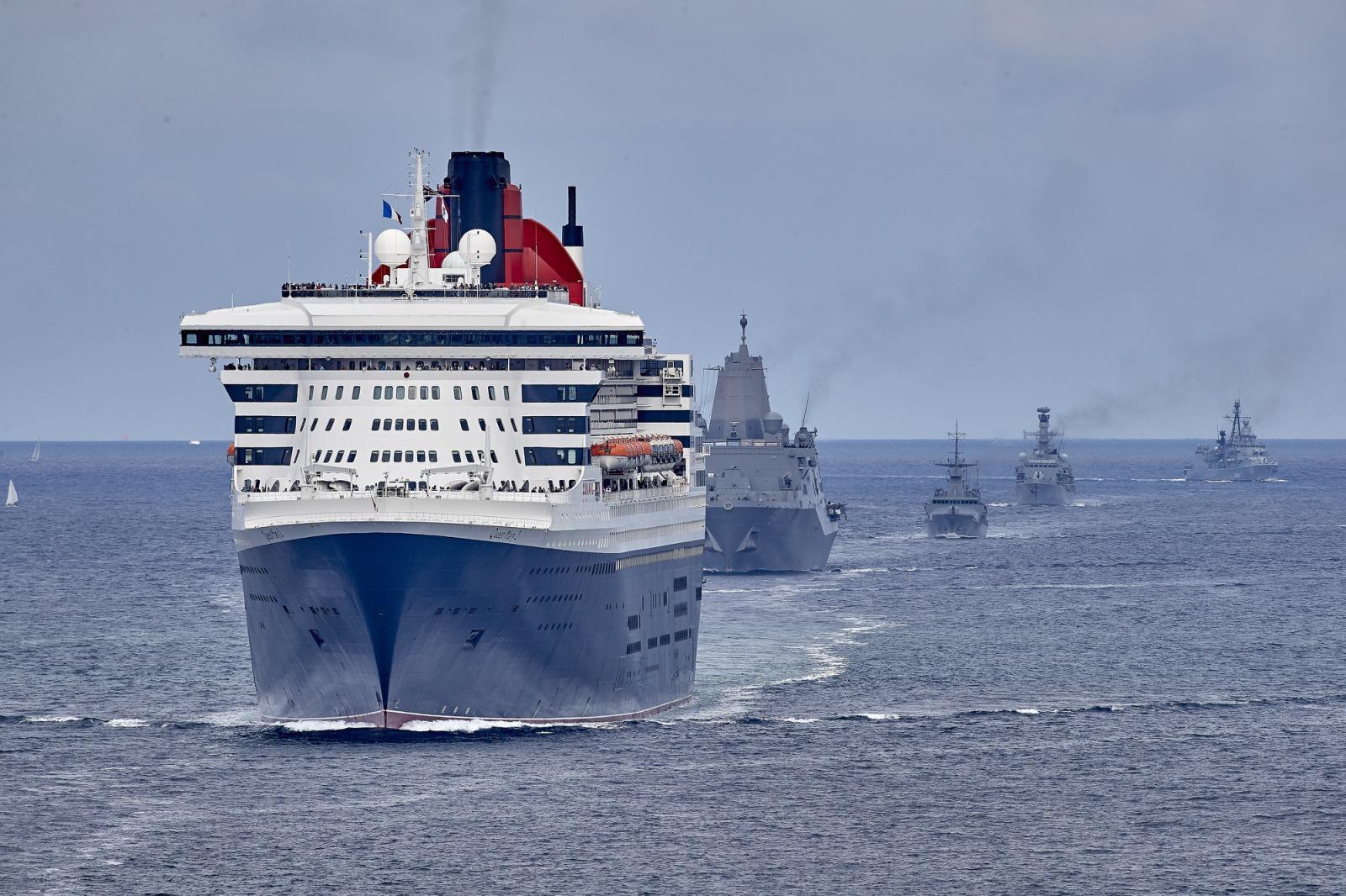 Photos - Queen Mary 2 - Queen Mary 2 escorted by the Centennial's Armada - The Bridge 2017